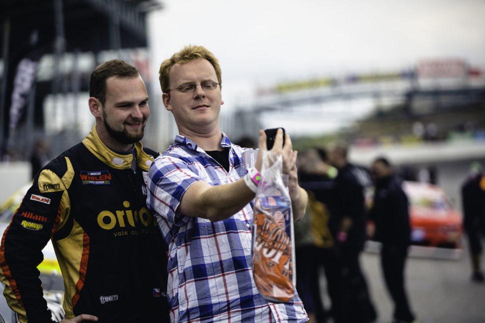 Krotitel amerických nascarů navýstavě Racing Expo